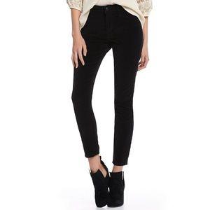 Joe's Jeans Ankle Fit Jeans - 26